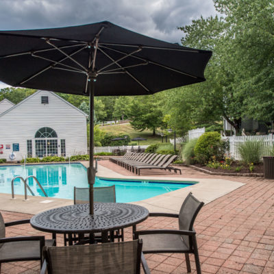 northwood luxury apts pool