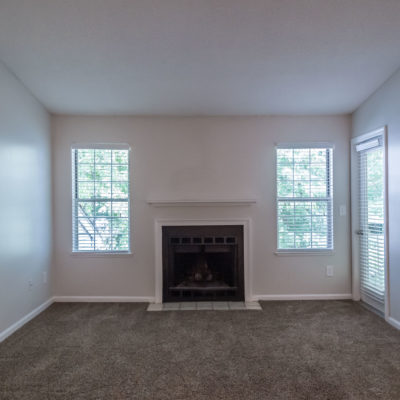 spacious living apartment in middletown